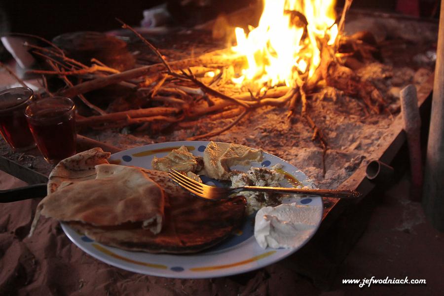 Repas autour de feu!