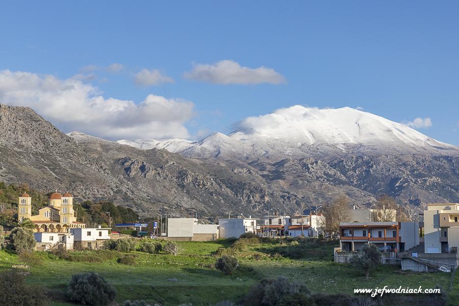 Montagnes enneigées en Crète